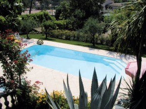 piscine coque polyester alliance piscines
