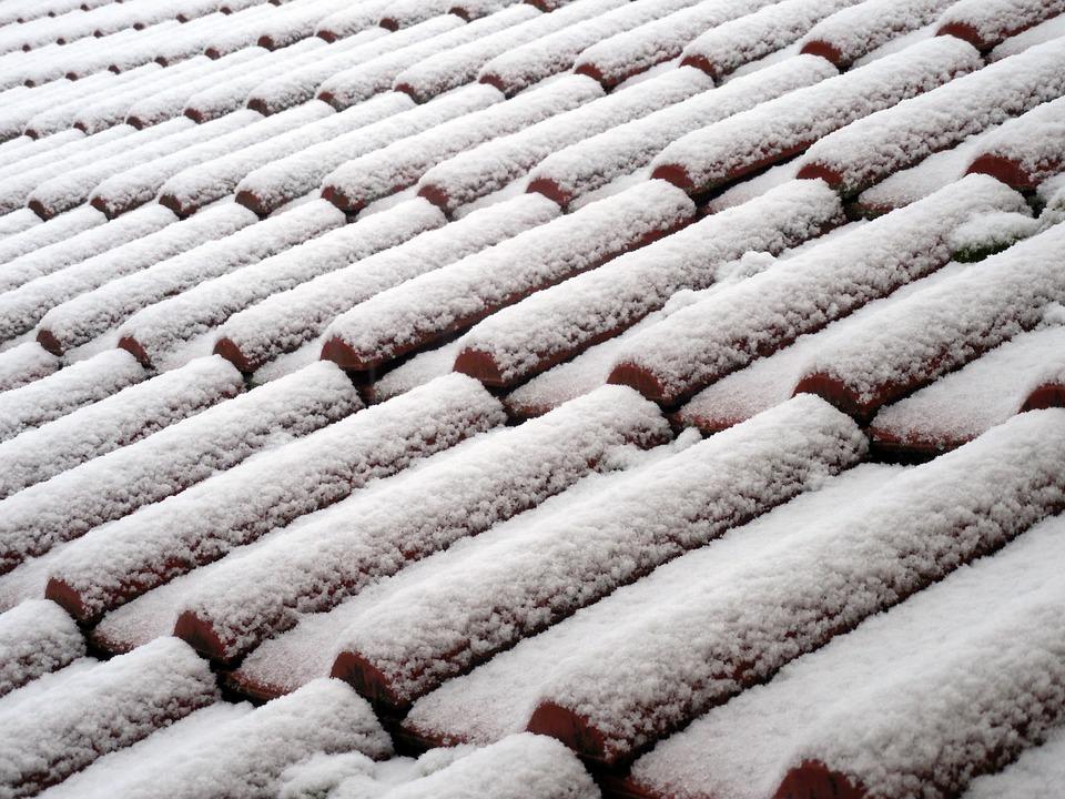 5 astuces pour protéger votre toit avant l'hiver