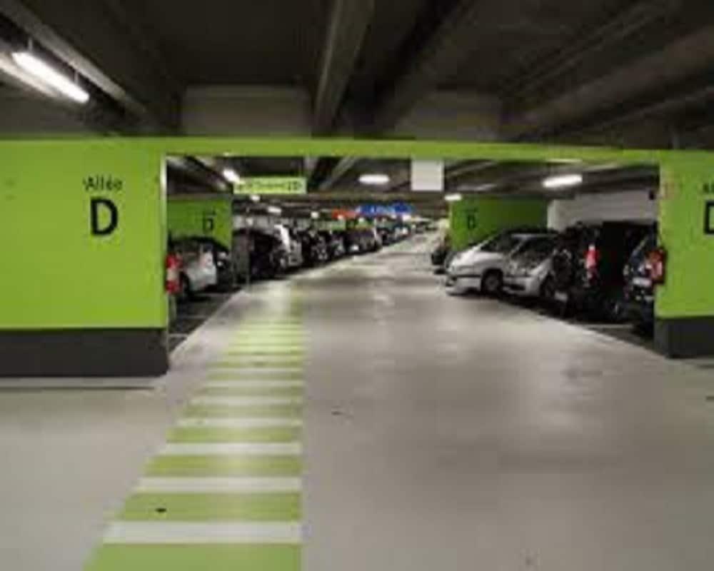 parking CDG,